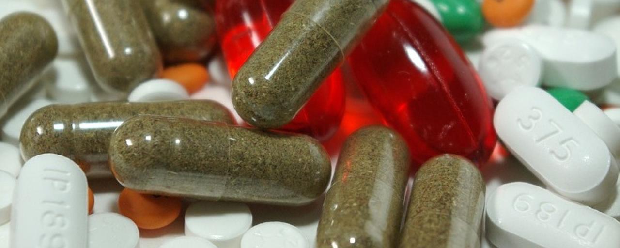 Capsules_Medicine_Drugs