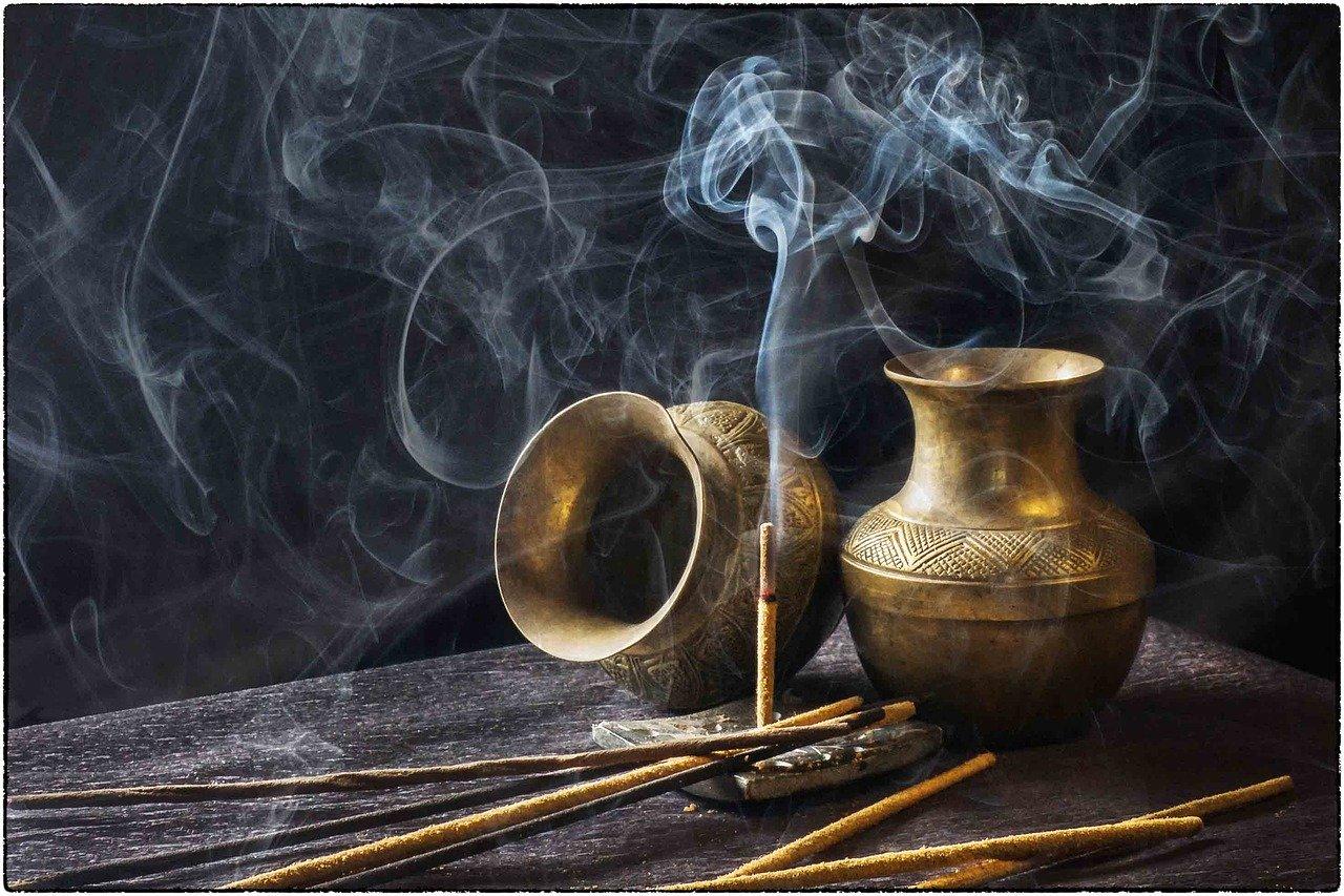 incense-1961430_1280-Pixabay